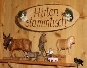 Hochfeldern Alm – Zum Geburtstag von Almhirt Martin Reich kamen viele Gratulanten