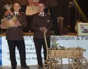 """Feuerwehrball 2014 – Frage beim Schätzspiel """"Wie schwer ist eine Schlauchhaspel?"""""""