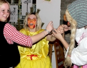 Maskenball der Mieminger Bäuerinnen
