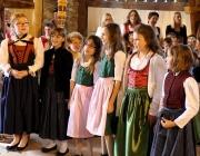 """Volksmusikfestl """"jodlschdu-jodlia"""" – """"Der Stadl in Untermieming bebte"""""""