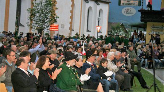 Festmusik im Andreas-Hofer-Gedenkjahr 2009 mit den Musikkapellen Mieming und Wildermieming in Barwies. Foto: Knut Kuckel