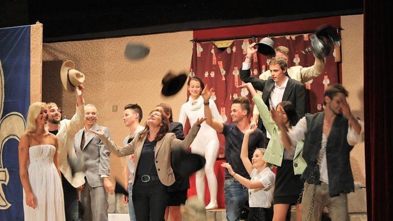 """Erfolgreiche Premiere: Die Plateauniker spielen """"Das Gespenst von Canterville"""". Foto: Knut Kuckel"""