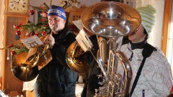 """Die Musikkapelle wünscht allen in Mieming """"ein gesundes, erfolgreiches und glückliches neues Jahr 2013"""". Foto: Knut Kuckel"""