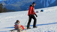 Rodeln und Schifahren am Holzeis-Bichl in Mieming. Foto: Knut Kuckel