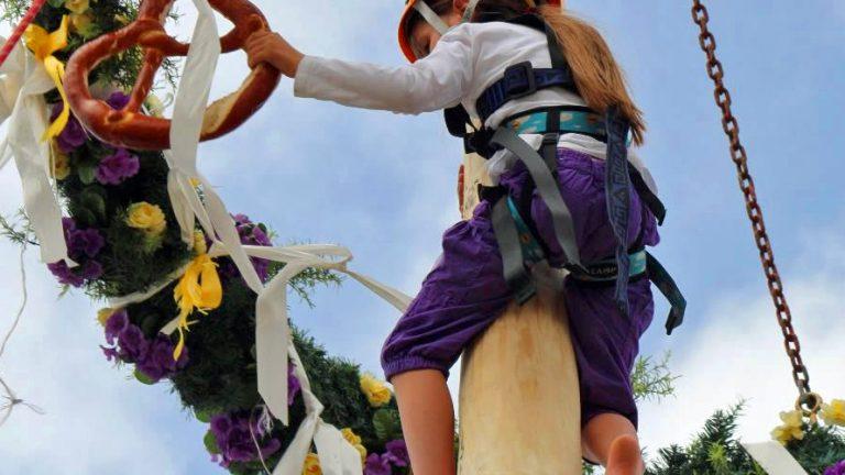 Die Maibaumkraxler waren in ihrem Element. Foto: Knut Kuckel
