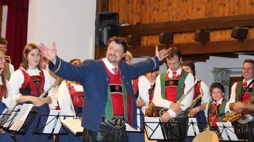 Verdienter Applaus für die Musikkapelle Mieming und Kapellmeister Markus Aichner, Foto: Knut Kuckel