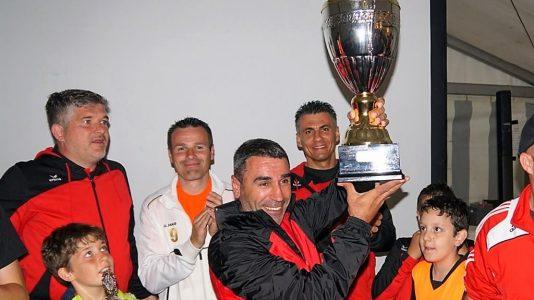 Vereinsturnier 2016 - Den Pokal holten die Kicker vom Taekwondo Verein Mieming, Foto: Andreas Fischer