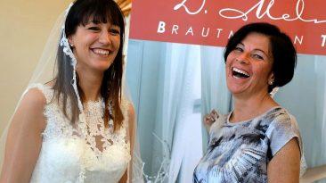 """""""Das Brautkleid ist eine Herzensangelegenheit"""" sagt Dagmar Melmer, Foto: Knut Kuckel"""
