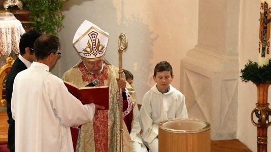 Altarweihe imit Alt-Erzbischof Alois Kothgasser, Foto: Knut Kuckel