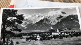 Alte Postkarte aus Untermieming. Der Poststempel trägt das Datum 19. Juli 1994, von: Gerda Pirpamer/privat