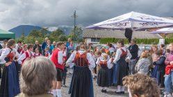 Viel Applaus für die Jugendgruppen vom Trachtenverein Edelweiß Mieming. Foto: Elias Kapeller