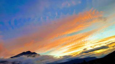 Sonnenaufgang in Mieming mit Blick auf die Hohe Munde. Foto: Knut Kuckel