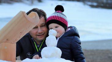 Kinderträume im Winter - das Badesee-Projekt nimmt Gestalt an. Foto: Knut Kuckel