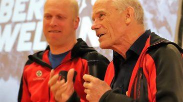 Bergretter Walter Spitzenstätter (rechts) im Gespräch mit Clemens Krabacher von der Bergrettung Mieming. Foto: Knut Kuckel / #tirolbayern