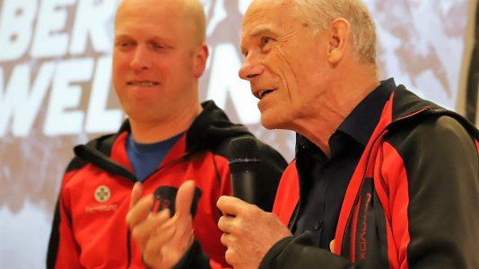 Bergretter Walter Spitzenstätter (rechts) im Gespräch mit Clemens Krabacher von der Bergrettung Mieming. Foto: Knut Kuckel