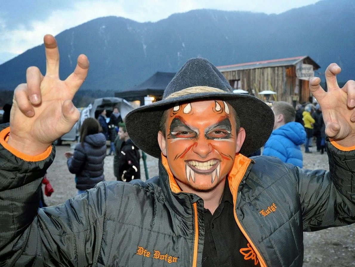 Fasnacht in Mieming 2018, am Badeseeparkplatz in See. Foto: Mieming.online