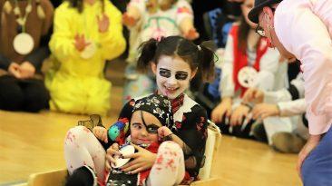 Ein Fest für große und kleine Fasnachter - zehn Jahre Familienfasching in Mieming. Foto: Knut Kuckel