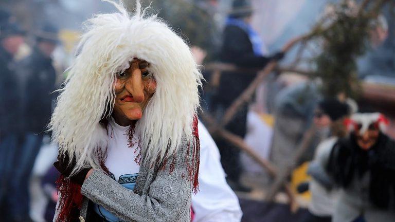 Starke Auftritte der Hexen & Bären in Zein und Untermieming. Foto: Knut Kuckel
