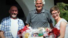 Die besten wurden beim Stammtisch-Duathlon mit prall gefüllten Geschenkkörben belohnt. Foto: Georg Maurer