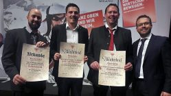 Von links: Bernhard Meil (Elektrotechnik), Stefan Kail (Kälte- und Klimatechnik), Martin Krug (Metalltechnik), Vize-Bgm. Martin Kapeller. Foto: WKO Tirol
