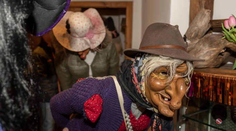 Die Doign Maskenball Foto: Elias Kapeller